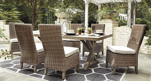 Outdoor Landing Page - Dining Set